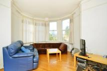 3 bed Maisonette in Beechcroft Road...