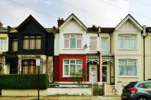 2 bed property in Tooting, Tooting, SW17