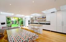 4 bedroom house to rent in Tunley Road, Balham, SW17