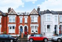 4 bed house in Ravenslea Road, Balham...