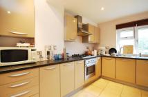 Flat for sale in Upper Tooting Park...