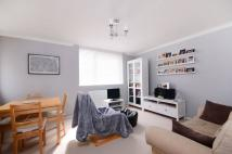 Flat to rent in Hanson Close, Balham...