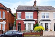 Flat in Fernlea Road, Balham...