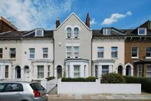 4 bed property to rent in Ravenswood Road, Balham...