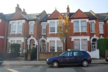 Flat to rent in Boundaries Road, Balham...