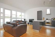 Maisonette to rent in Clapham Park Road...