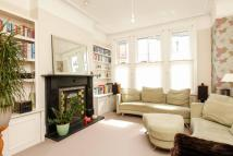 4 bed house in Fernside Road...