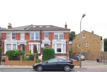 Flat to rent in Cornford grove, Balham...