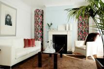 2 bedroom Flat to rent in Tenham Avenue...