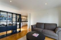 2 bed Flat in Rodenhurst Road...