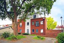 2 bedroom Flat to rent in Stoke Square, Guildford...