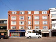 Studio apartment in Eastgate House...