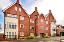 Flat to rent in Uplands Road, Guildford...