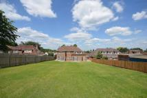 5 bed home in Manor Way...