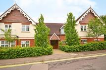 Flat to rent in Pewley Heights...