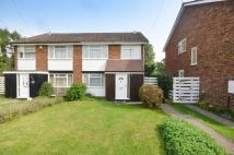 4 bedroom property in Burnt Common Close...