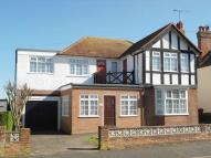 4 bed Detached property in The Avenues