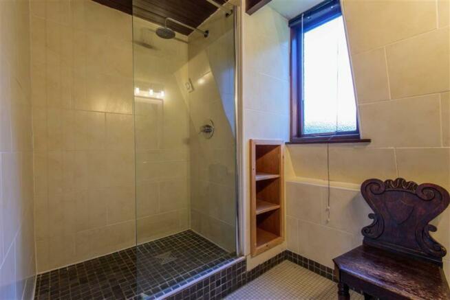 Family Bathroom/Shower Room