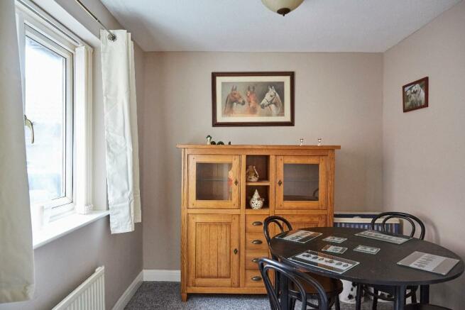 Bedroom 3 (dining r