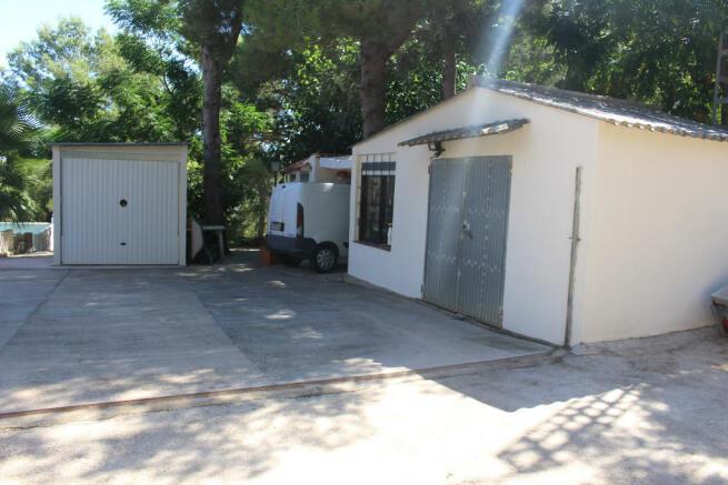 workshop + garage