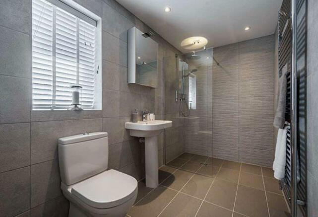 A Latchford Bathroom