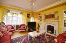 4 bed Flat in Brompton Road...