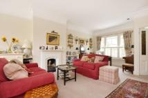 2 bedroom Flat in Tetcott Road, Chelsea...
