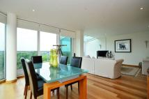 2 bed Maisonette to rent in Queenstown Road...