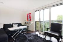 Flat to rent in Gatliff Road, Chelsea...