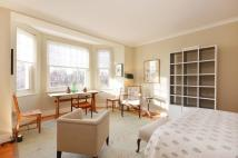 Studio apartment in Sloane Gardens, Chelsea...