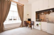 Studio apartment in Basil Street, Chelsea...