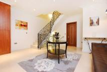 3 bedroom Mews in Eaton Mews South...