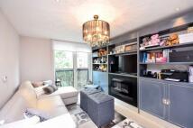Flat to rent in Grosvenor Waterside...