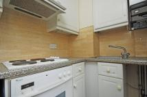 Flat to rent in Cremorne Road, Chelsea...