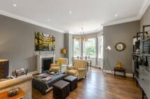 2 bed Flat in Sloane Gardens, Chelsea...