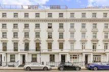 Flat to rent in Milner Street, Chelsea...