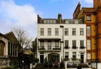 4 bedroom home in Cheyne Walk, Chelsea, SW3