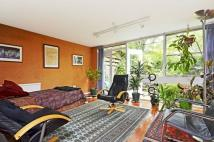 3 bed property for sale in Shepherds Close...