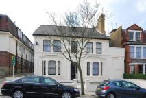 3 bedroom Flat in Muswell Ave...