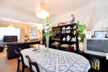 3 bed house in High Road, East Finchley...