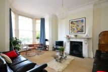 2 bed Flat to rent in Church Crescent...
