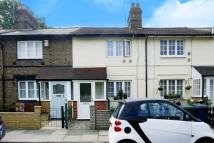 Cottage to rent in Manor Cottages Approach...