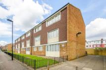 3 bed Maisonette to rent in Acacia Road, Wood Green...