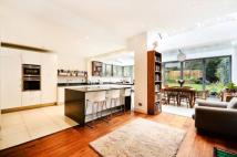 5 bedroom property in Muswell Hill Road...