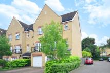 3 bed property for sale in Osier Crescent...