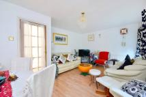 3 bedroom Maisonette in Crescent Rise...