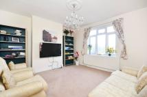 2 bedroom Flat in Warwick Road...