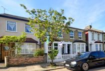 2 bedroom Flat in Dagmar Road...