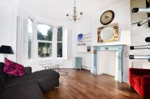 Studio apartment in Fortis Green...