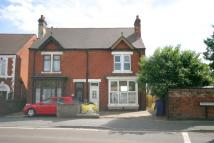 3 bed house in Horninglow Road North...